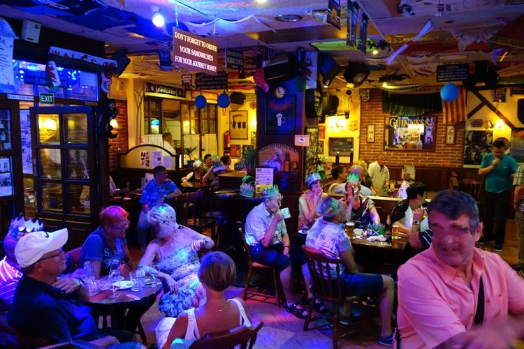 british pub restaurant musical - 8