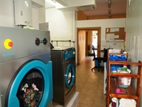 fully equipped launderette fuengirola - 1