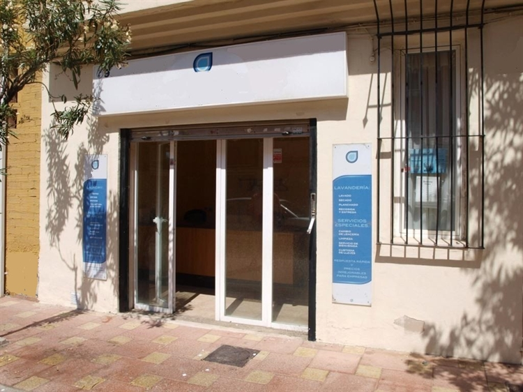 fully equipped launderette fuengirola - 6
