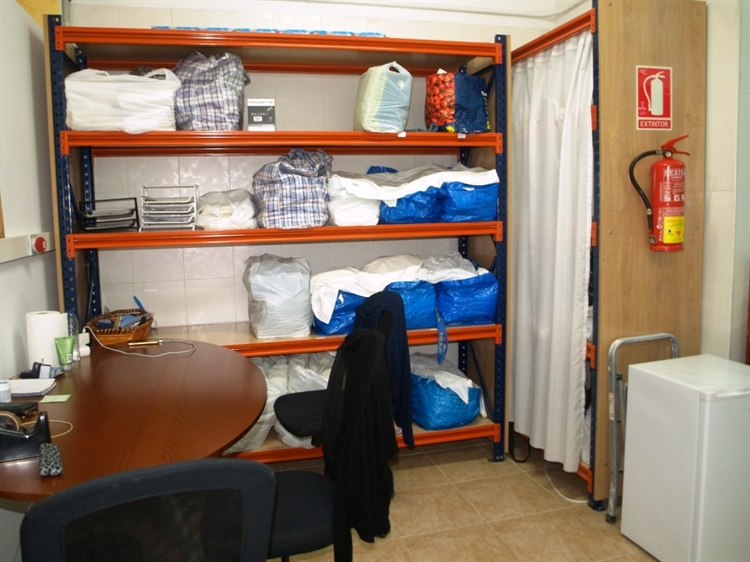 fully equipped launderette fuengirola - 10