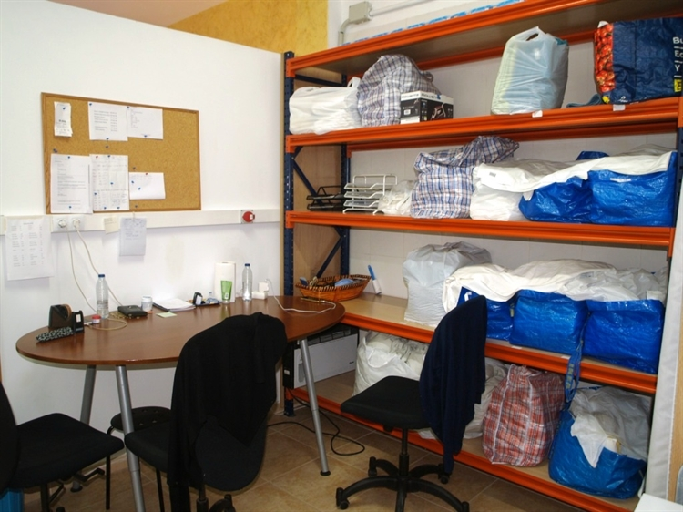 fully equipped launderette fuengirola - 9