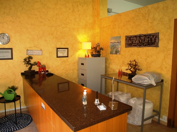 fully equipped launderette fuengirola - 5