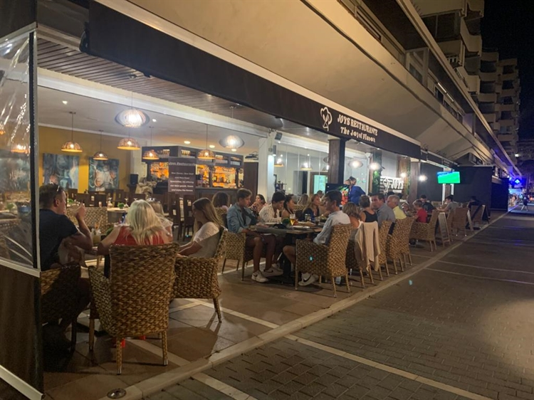 fantastic fully equipped restaurant - 4