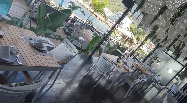 Buy A Top Beach Club Restaurant Leasehold With Freehold