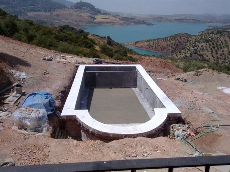 pool construction maintenance company - 8