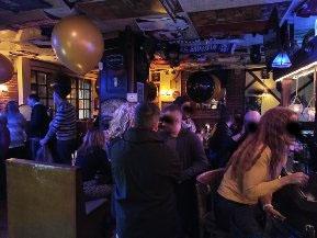 british pub restaurant musical - 4